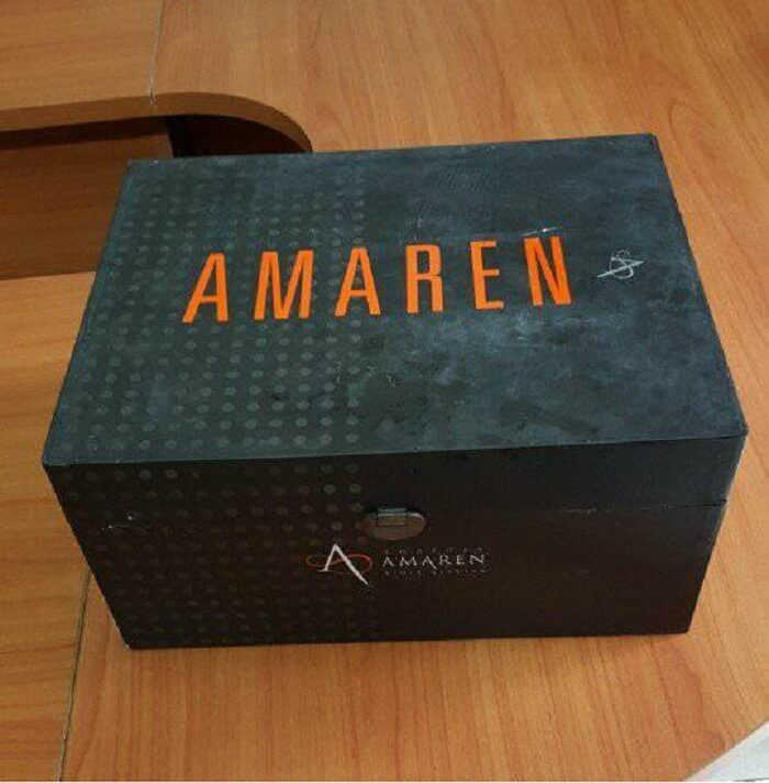 Hộp rượu vang Angels Del Amaren