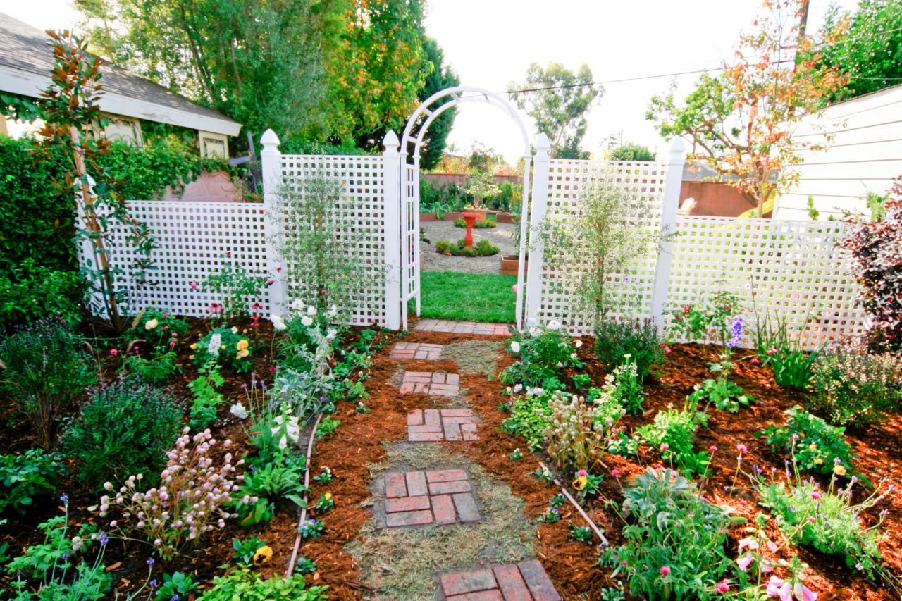 Little Garden with Decked Path and Arbor ! Garden Bible