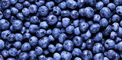 http://www.manfaatsiana.com/2016/11/manfaat-mengkonsumsi-buah-blueberry-untuk-tubuh.html