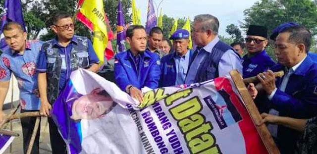 Mengungkap Institusi Dalang Perusakan Baliho Demokrat, Bekerja di Luar Perintah Jokowi