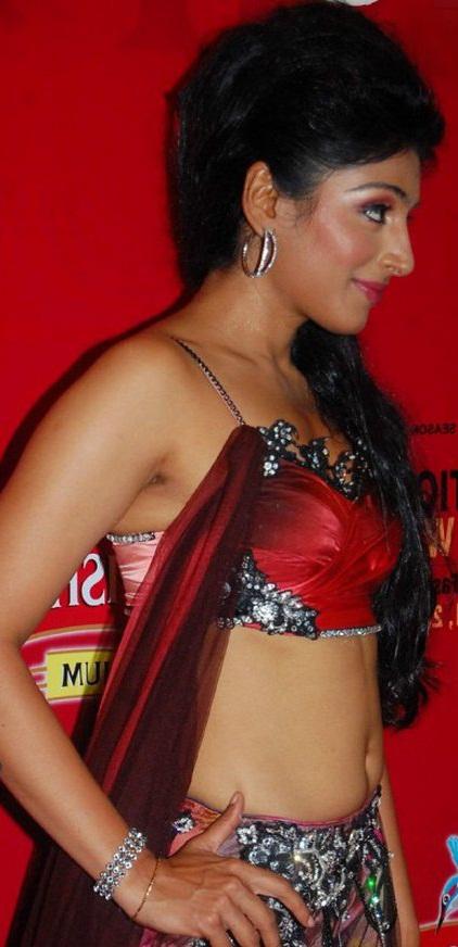 padmapriya hot in surya film awards - photo #42