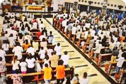 Ribuan Umat Katolik Hadiri Misa Kamis Putih di Gereja Kristus Terang Dunia Waena