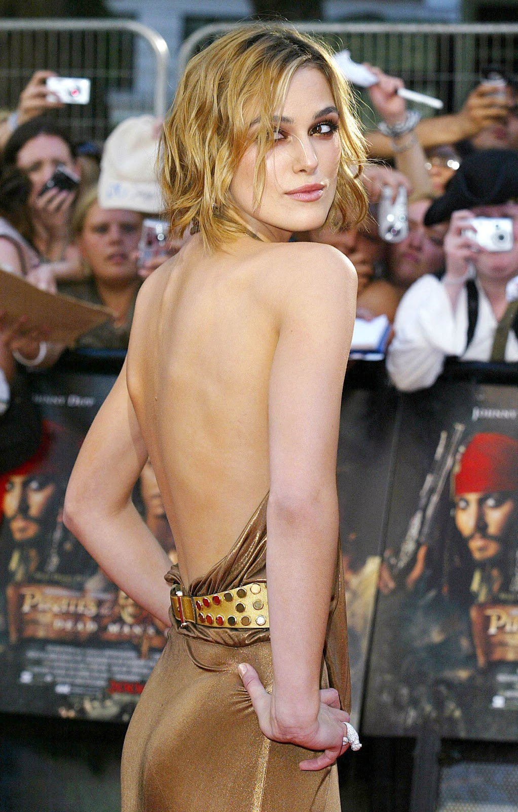 Hot and sexy keira knightley pics in backless dress