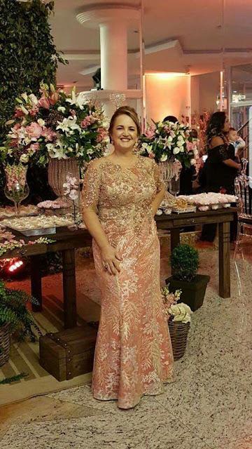 http://www.soloparagorditas.com/2014/10/vestidos-largos-para-gorditas.html
