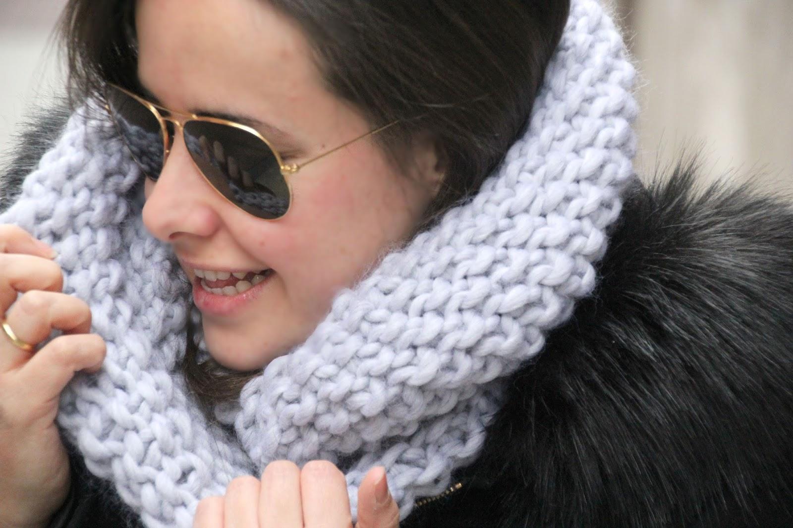 Diy bufanda circular de punto de arroz oh mother mine - Como hacer una bufanda de lana gorda ...