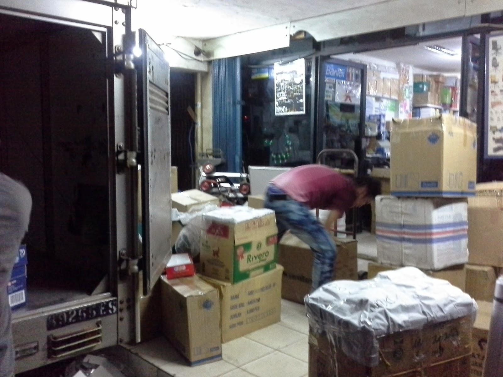 www.alattulis.co.id mempersiapkan kiriman ATK Stationery ke Bogor Depok Tangerang Bekasi