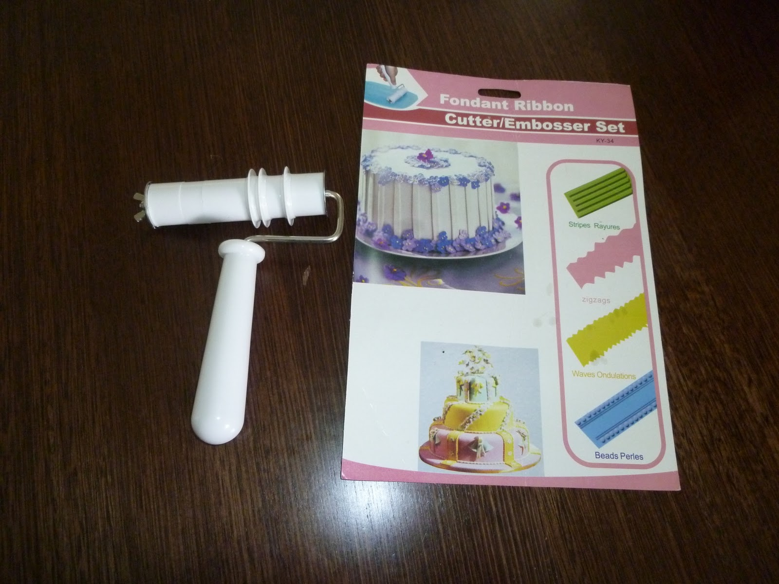 Sweetie Darling How To Cover A Cake With Horizontal Fondant