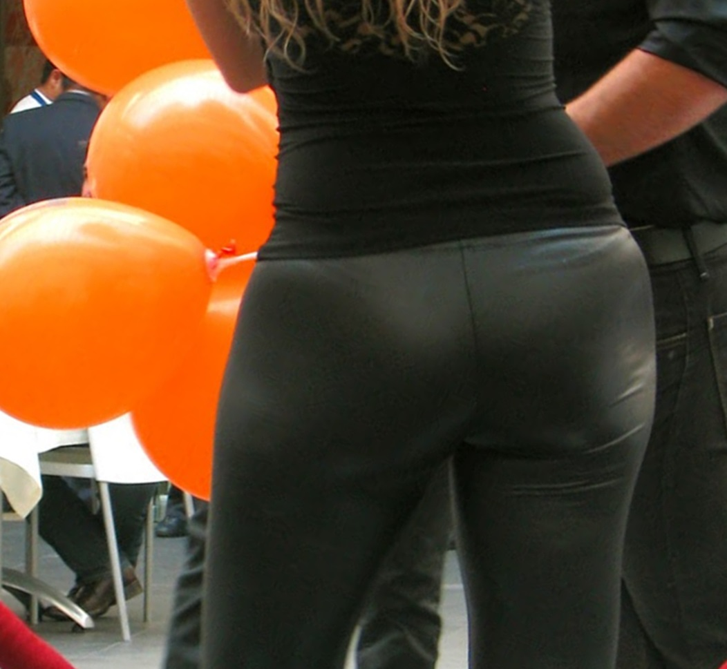 Milf High And Super Hot Wide Hips And Round Ass In Tight Lycra-4804