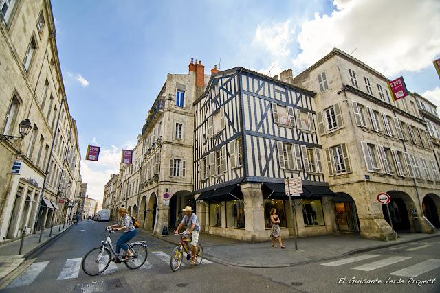 Casas Medievales - La Rochelle, por El Guisante Verde Project