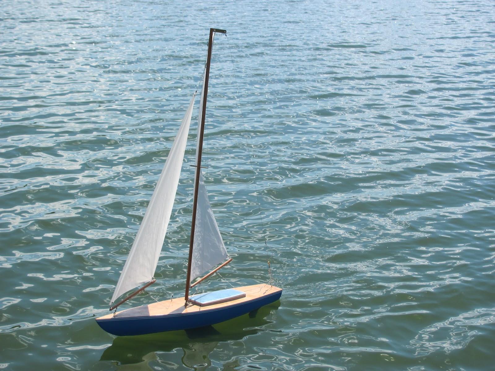 Rooms: Kayaking The Lakes Of South Dakota: Kayaks And Sailing The