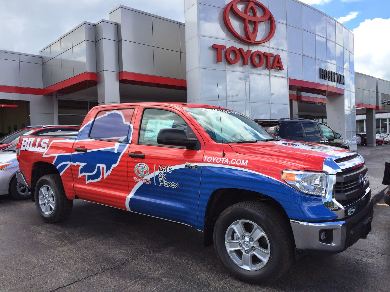 Hoselton Auto Mall: The Buffalo Bills Training Camp Toyota Truck is
