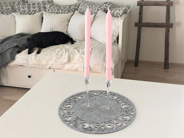 vaaleanpunaiset kynttilät kynttilän jalat