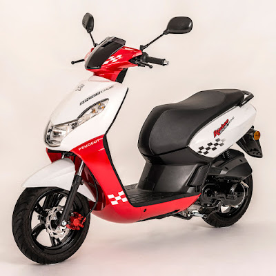 Peugeot Speedfight 3 125cc scooter red & white color pose