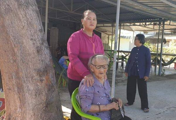 Một cán bộ Thanh tra Chính phủ vét sạch tiền của mẹ liệt sĩ
