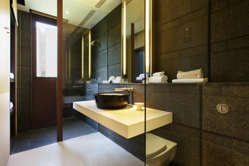The Club Residences 2 Bedroom Suites - Bathroom 2
