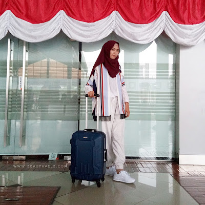 ootd traveling casual