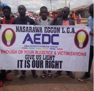 News: Nasarawa lawmaker leads protest against poor electricity supply