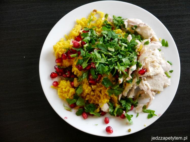 Ryż z kurczakiem i orzechami