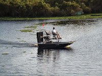 Airboat en el Camp Holly