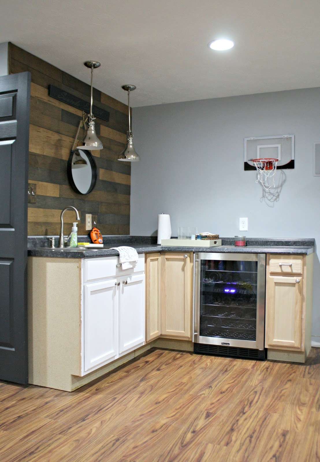 Changes to the basement kitchenette from thrifty decor chick for Kitchenette cabinets