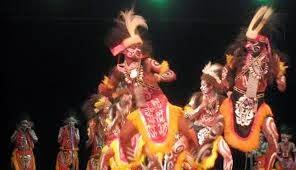 Tradisi Tarian Emaida Yibu Suku Mee Dipapua