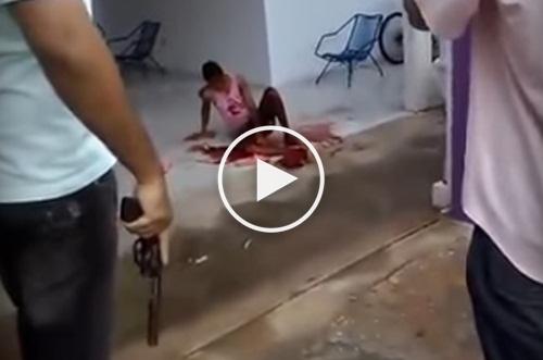 Resultado de imagem para Policial espanca e mata vagabundo que invadiu sua residência