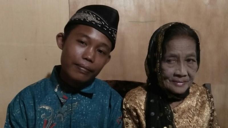 ABG 16 tahun menikahi nenek 71 tahun
