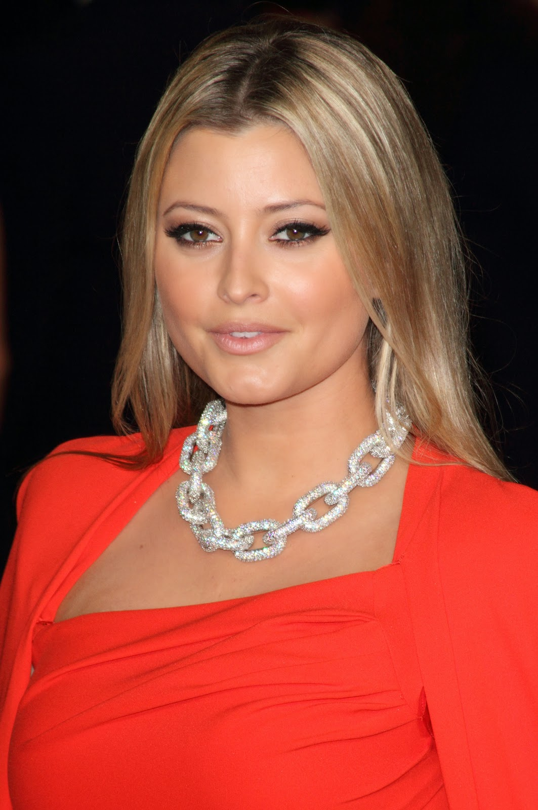 Holly Valance HD Pictures | HD Wallpapers of Holly Valance