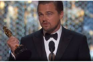 Leonardo DiCaprio olvidó su Oscar en un bar
