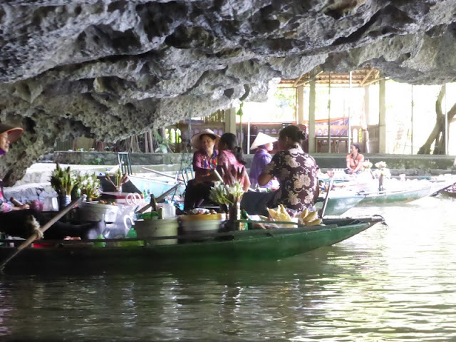 Tam Coc, rio Ngo Dong, cueva Hang Cuoi