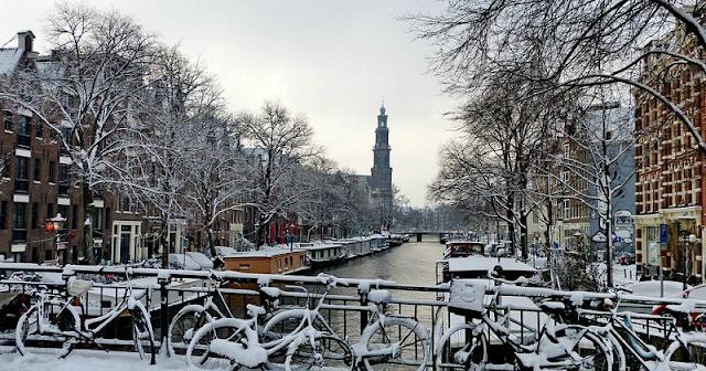Condições climáticas em Amsterdã em janeiro