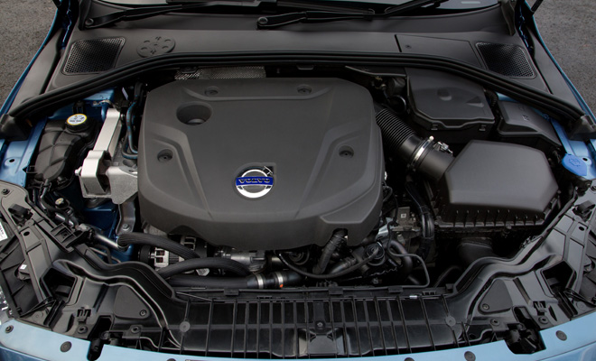 Volvo V60 D4 engine bay
