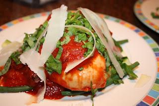recept; recepten; hoofdgerecht; hoofdgerechten; kip; mediterraan; tomaat; tomaten; basilicum; olijf; olijven;