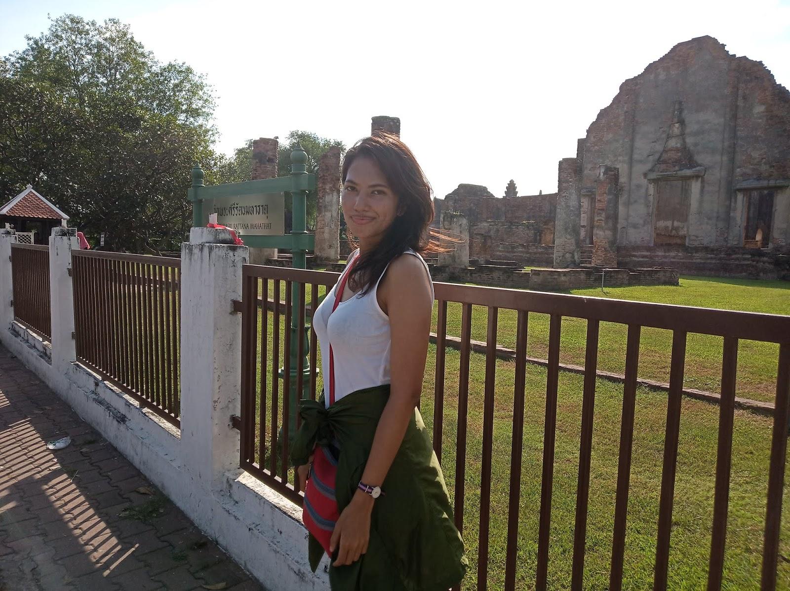 How to visit Lopburi sunflower fields Thailand | Ummi Goes Where?