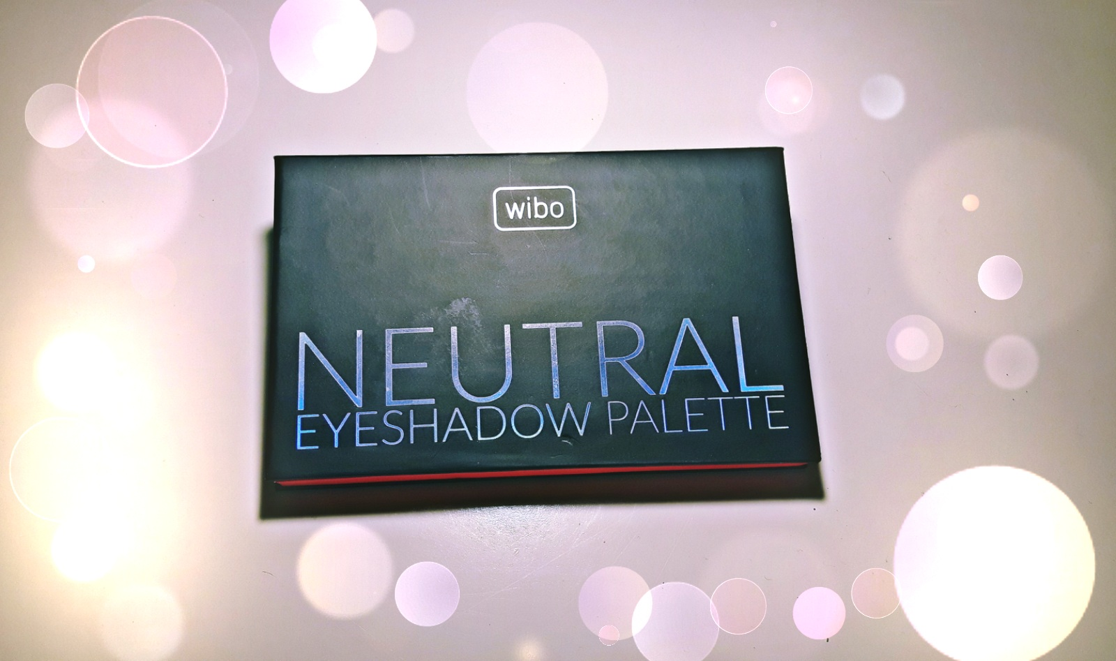 WIBO - neutral eyeshadow palette