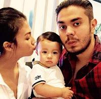 Foto Irena Justine dengan Anak dan Suaminya