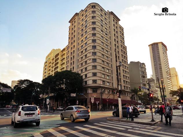 Vista ampla do encontro das famosas Avenidas Ipiranga e São João - Centro - São Paulo