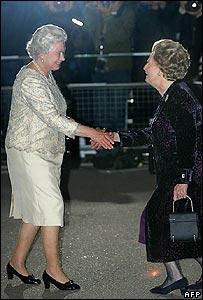 Days Of Majesty: Royal curtsy