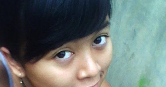 Foto Sexy Montok Cewek: Foto Hot Kimcil Kurang Laku Pamer Belahan Dada Montok