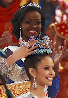 Megan Young with Crown, Miss World 2013 with Crown