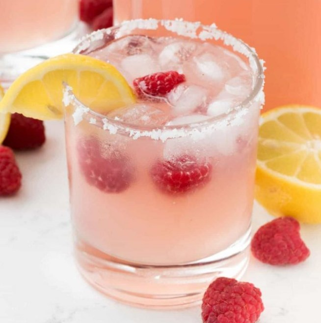 Raspberry Lemonade Margarita #cocktail #summerdrink