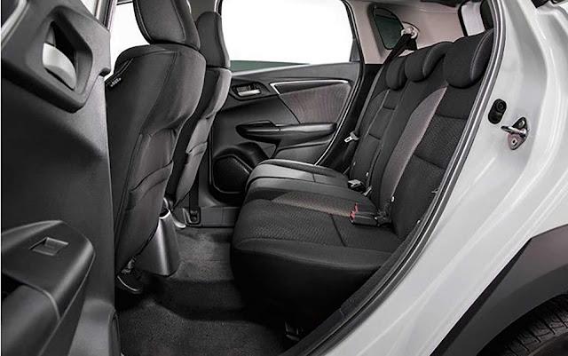 Honda WR-V 2017 - espaço interno