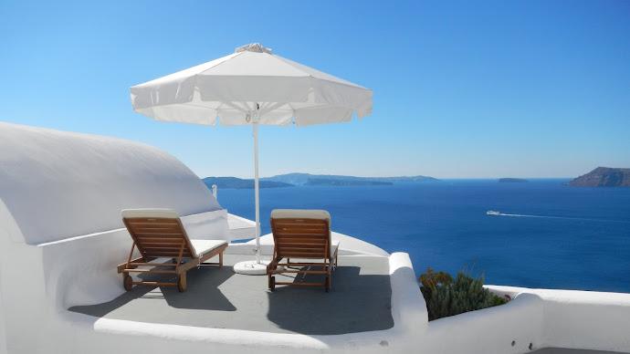 Wallpaper: Holiday Destination Santorini Greece