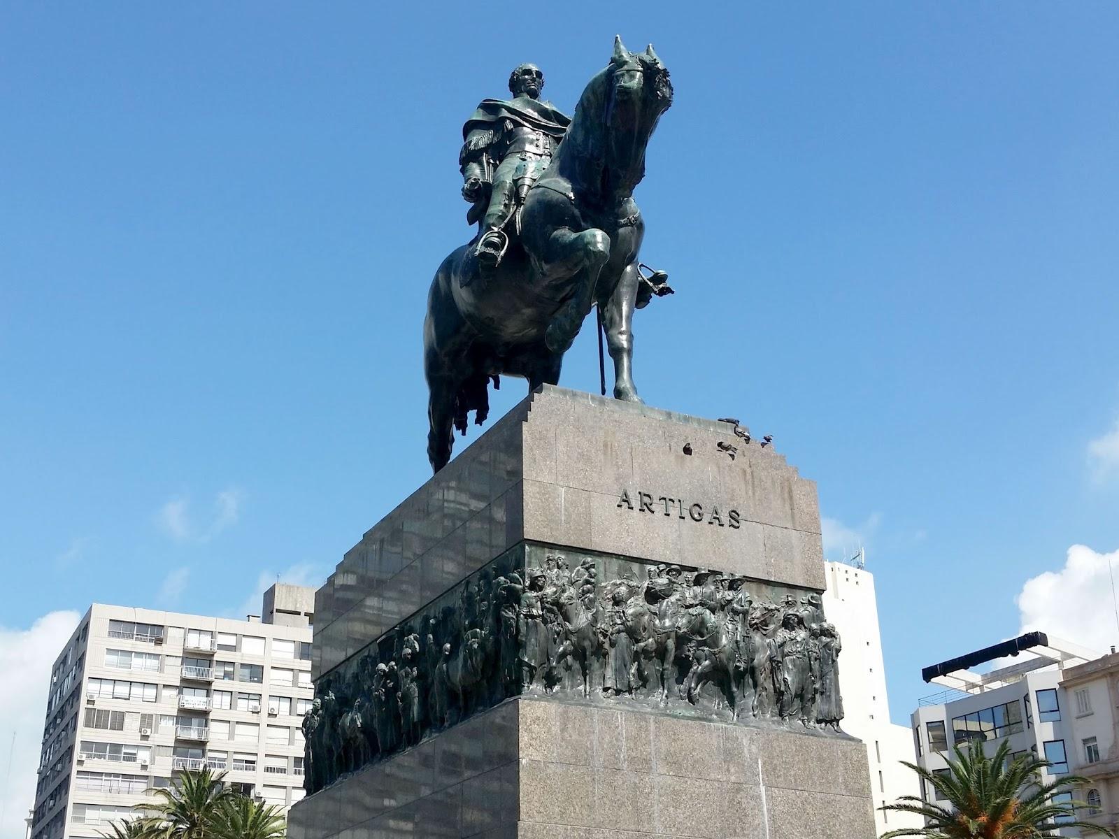 Estátua José Artigas