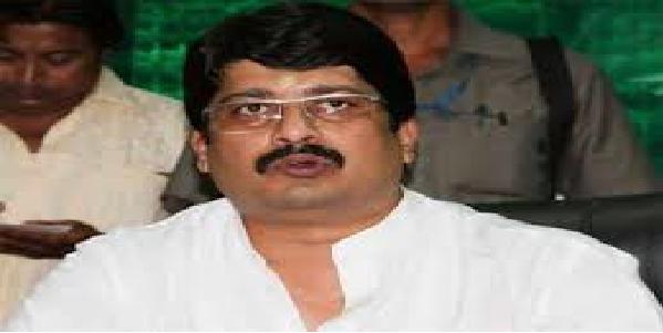 Raja-bhaiya-ne-nayi-raaznitik-party-ka-elaan-kiya