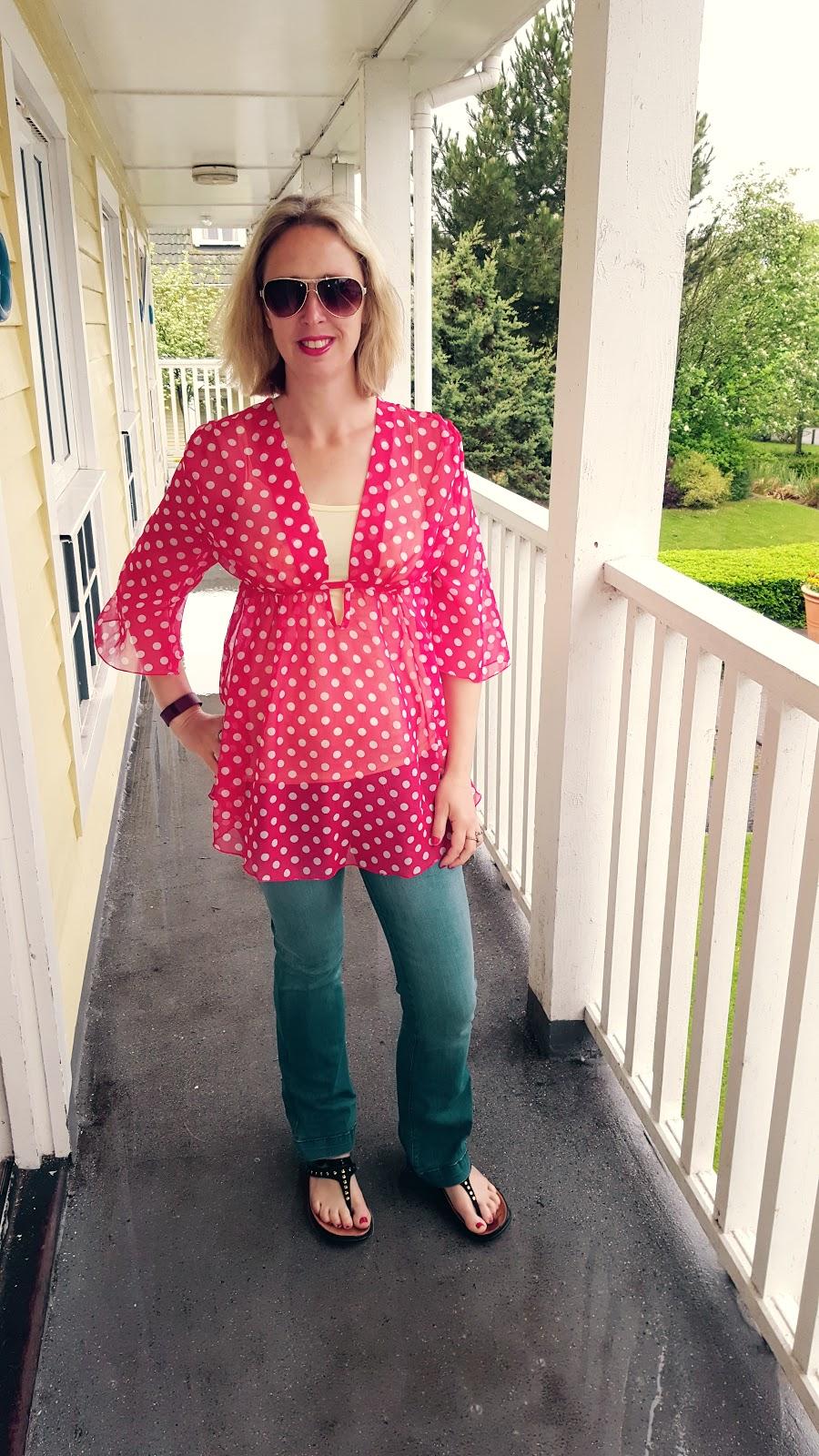 Polka Dots, Rain, Sunglasses: Make A Great Holiday