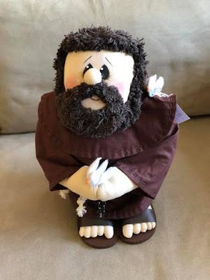 artzete, bonecos de feltro, imagem religiosa, são francisco de assis, pombos, decoração de casa