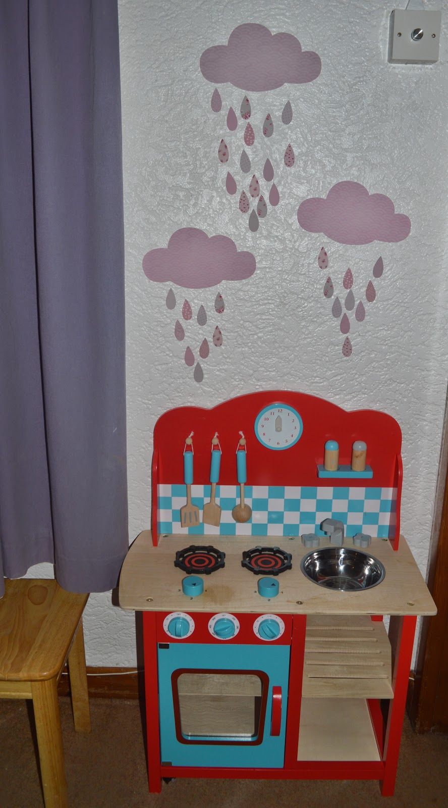 GLTC Cavendish Play kitchen Koko Kids 3 Clouds and Raindrops Wall Stickers