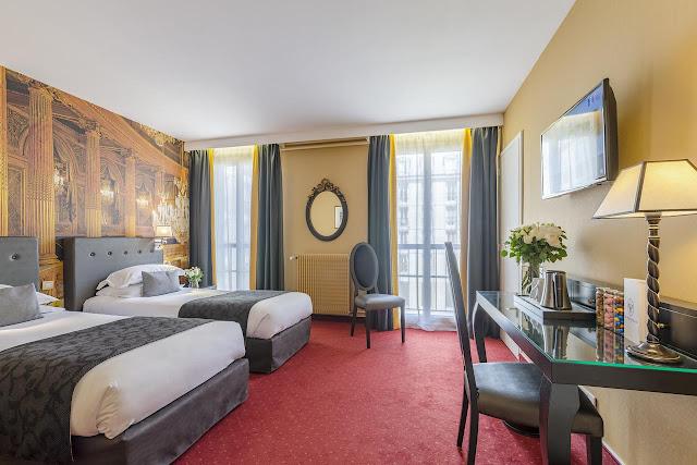 Quarto do Hotel le Versailles