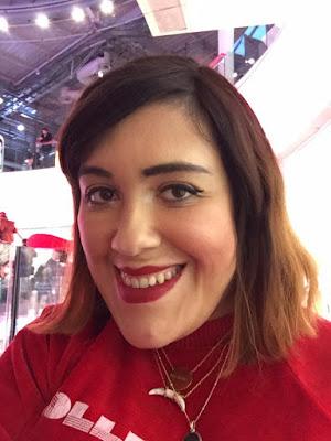 revue Huda Beauty rouge à lèvres liquides à effet mat Cheerleader